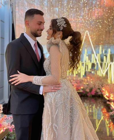 ابنة الحضري وعريسها