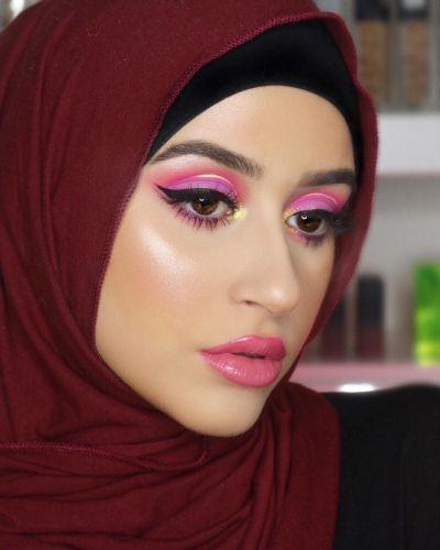 مكياج عيون زهري