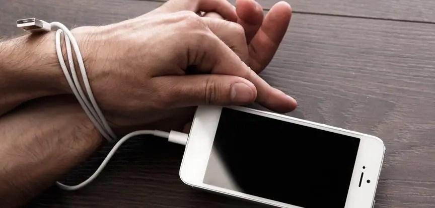 Resultado de imagem para dependência do smartphone