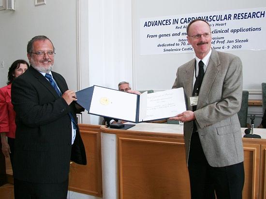 Pierce receives Slovak honour