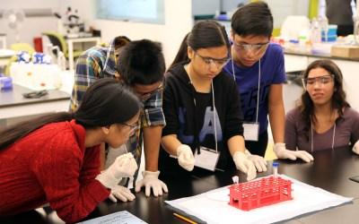 Youth BIOLab featured on Winnipeg School Division website
