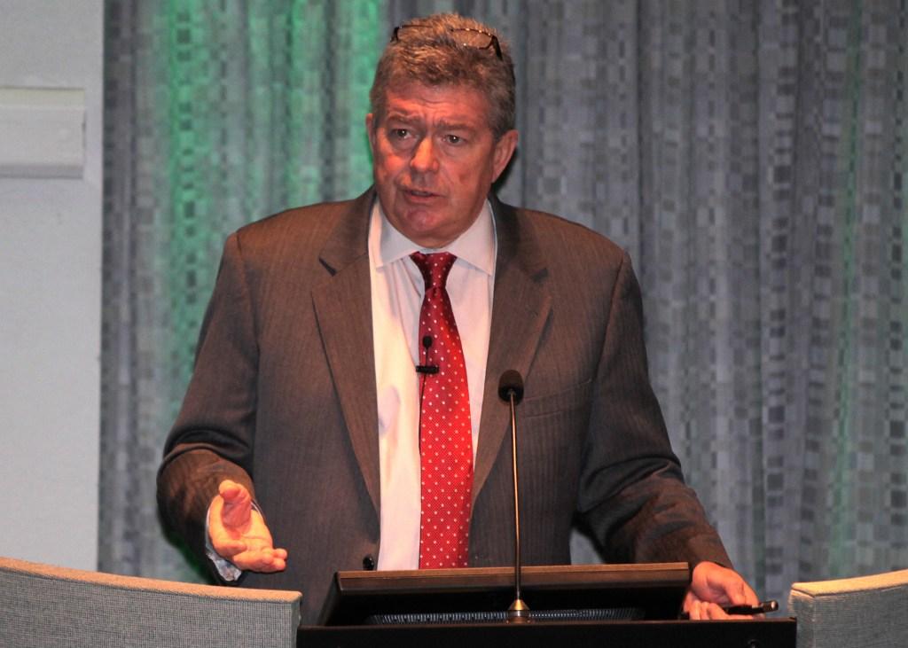 Dr. Steven Houser