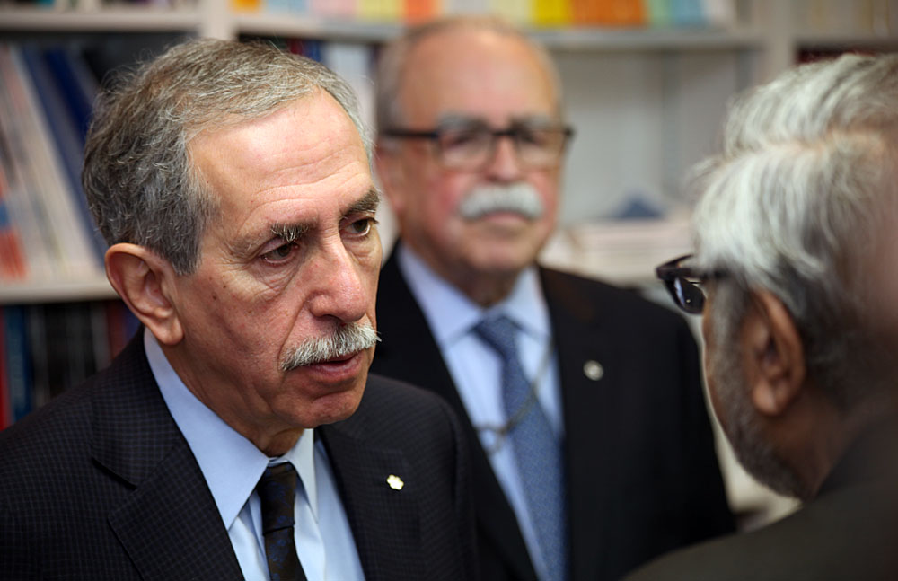 Dr. Alan Bernstein