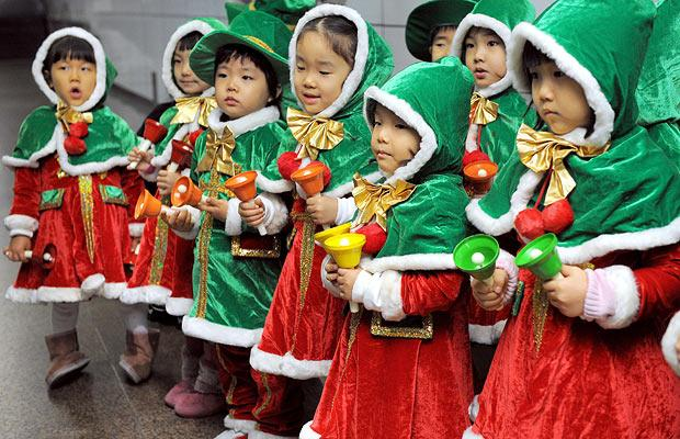 How Do Different Asian Countries Celebrate Christmas