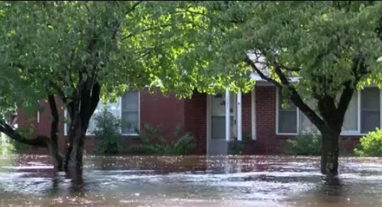 Tối thiểu 32 người chết do bão Florence gây thảm họa lịch sử ở North Carolina