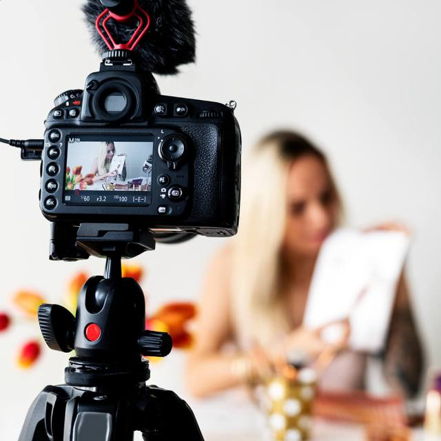 camera filming the bloggers review for affiliate marketing product - YouTube Affiliate Marketing - The Ultimate Guide