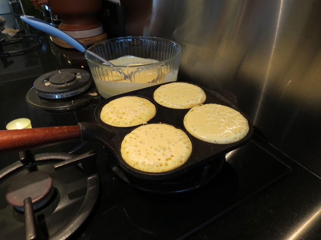poele a pancakes oeufs carree 4 moules ronds