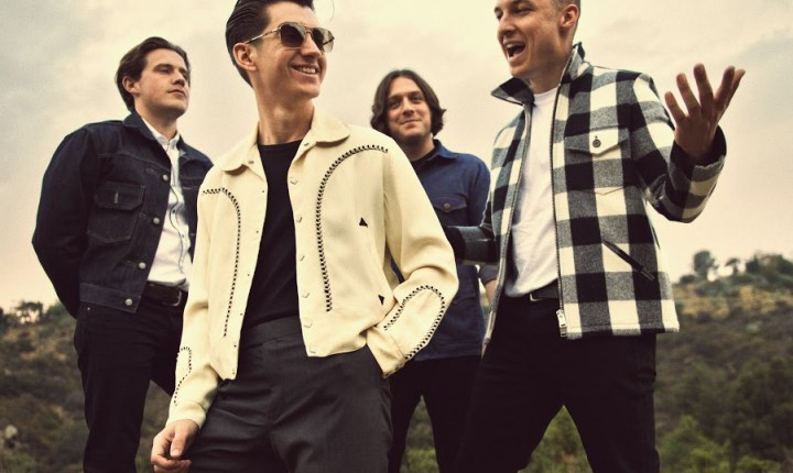 "Videoclip: Arctic Monkeys – ""Snap out of it"""