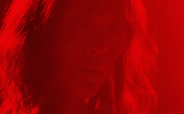 "Videoclip: Blonde Redhead – ""Dripping"""