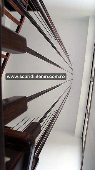 scara interioara din lemn cu trepte de lemn suspendate pe corzi pret promotional