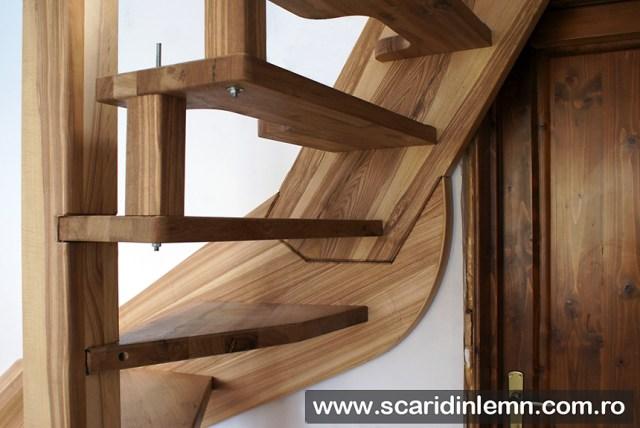 scara interioara din lemn masiv preturi cu vang si trepte cu pas conditionat