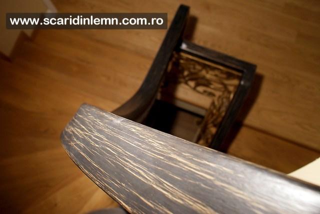 scari interioare de lemn masiv cu mana curenta din lemn curbat cu placare trepte lemn