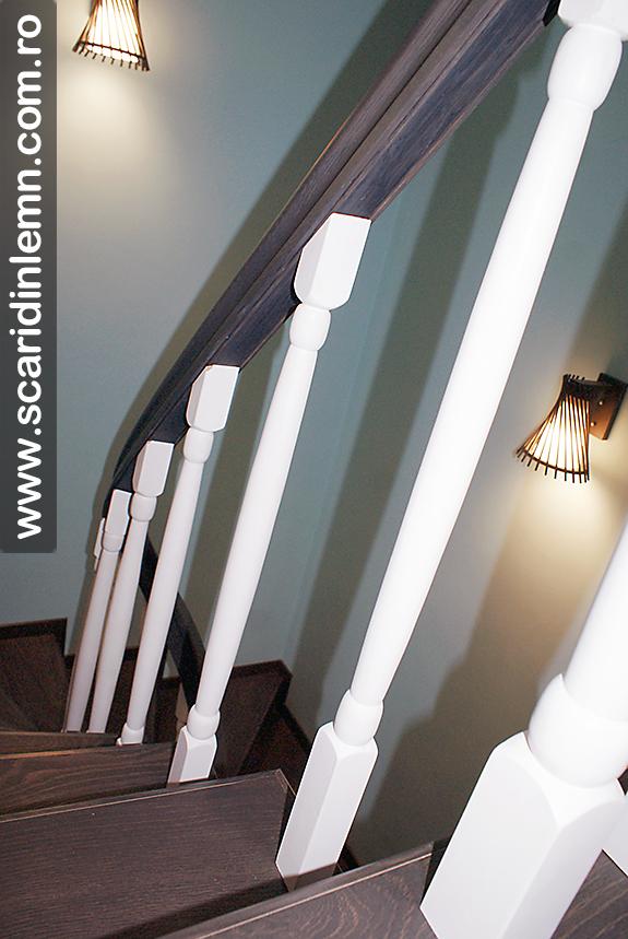 mana curenta din lemn curbat cu balustri strunjiti scari interioare din lemn masiv