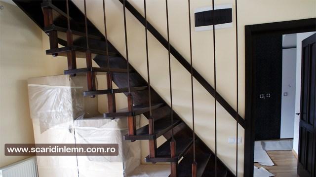 Scara interioara lemn masiv pe vanguri suspendata pe corzi, pret, design, proiect, modele scari interioare