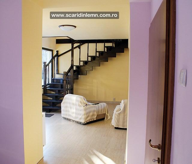 scara interioara de lemn masiv mana curenta balustrii din lemn preturi calitate design proiectare