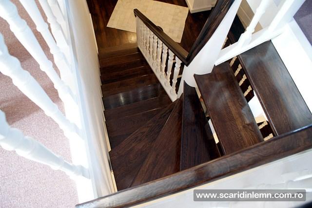 Scari interioare de lemn, placare trepte din lemn masiv, mana curenta continuua din lemn curbat, vang modular, proiectare