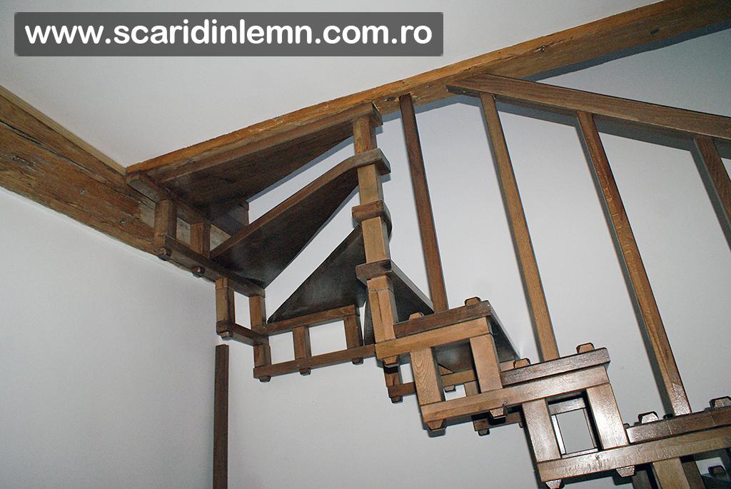 scari interioare de lemn masiv cu elemente modulare