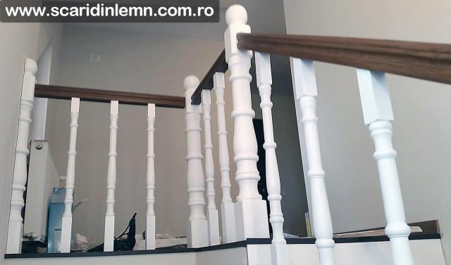 Scara din lemn masiv balustri strunjiti trepte de lemn masiv placate