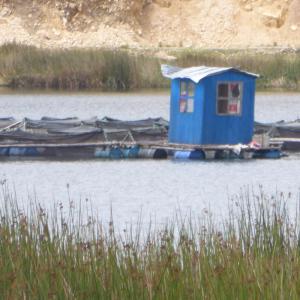 a (spectacular) hut