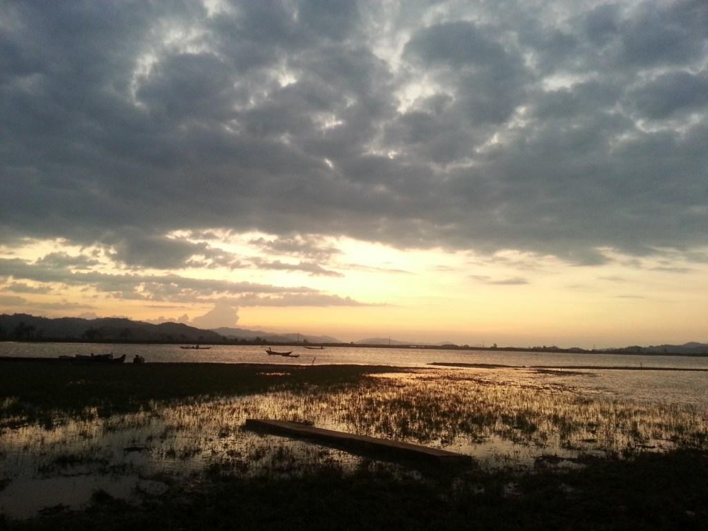 Lak Lake sunset
