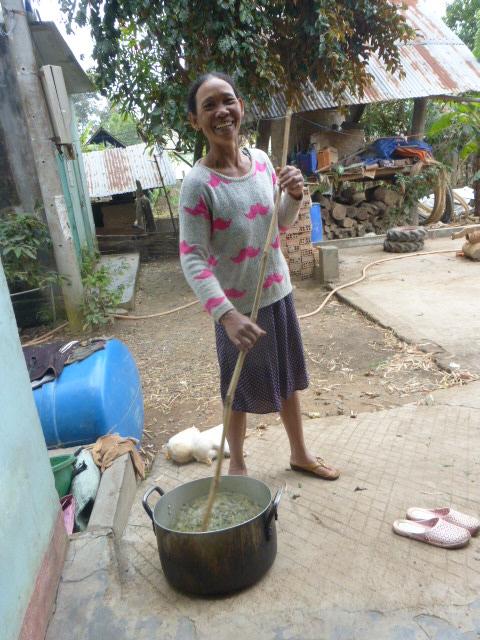 Lak Lake cooking