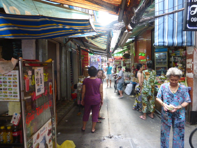 Ho Chi Minh City - the lanes