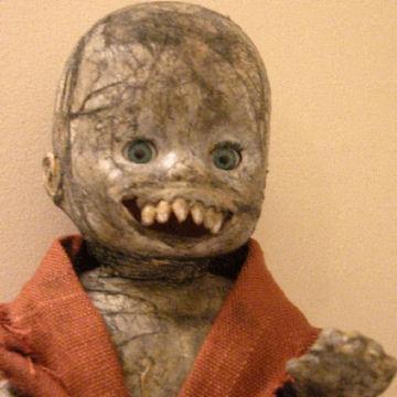 https://i1.wp.com/www.scaryforkids.com/pics/antique-doll.jpg