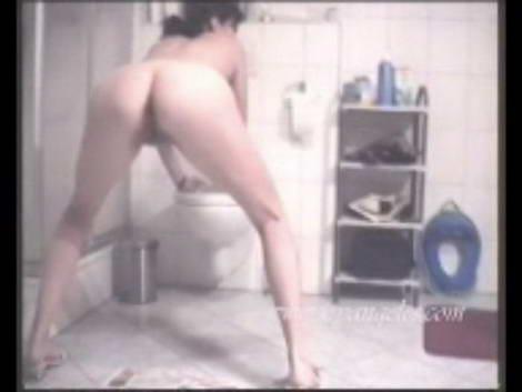 hot girls pooping