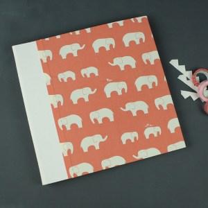Großes creme apricot farbenes Babyfotoalbum Elefanten