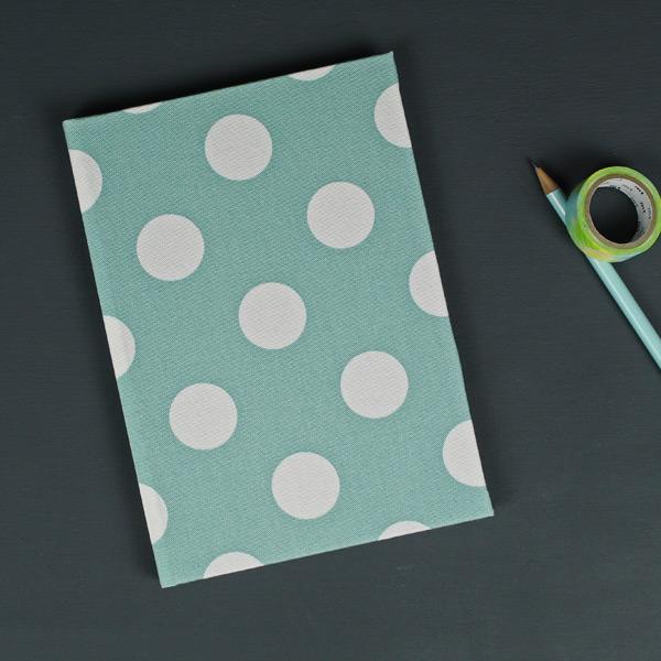 Adressbuch DIN A5 Graugrün mit cremefarbenen Polka Dots