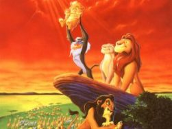 La naissance de Simba est fêté à la hauteur de son rang royal (au grand dam de Scar)