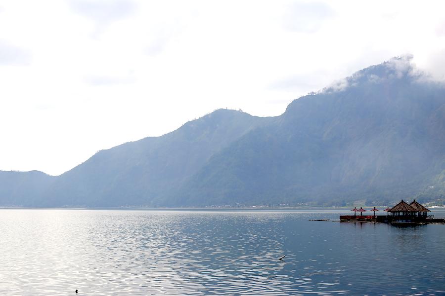batur-lake2