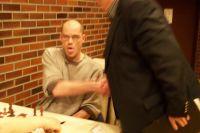 Christoph gewinnt, bekommt Werners Hand und ist sichtlich erleichtert!