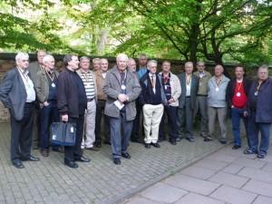 Die isländische Delegation (in der Mitte der Mannschaftsleiter Einar S. Einarsson)