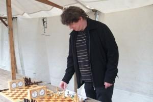Wilhelm am Schachbrett