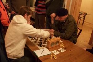 Links sitzt unser Neumitglied Juma, der seine Chancen optimal beim Schopfe packt!