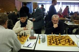 Stefan Bauer mit Kopfbedeckung, neben ihm Günter Cierpi