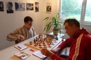 Am Spitzenbrett ging das Spiel der Paarung Cladouras - Figura remis aus.
