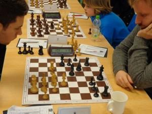 Mit den beiden Freibauern auf a6 und b5 sah die Stellung gut aus für Schwarz... Umso hieß das Ergebnis nach weiteren 20min 1:0...