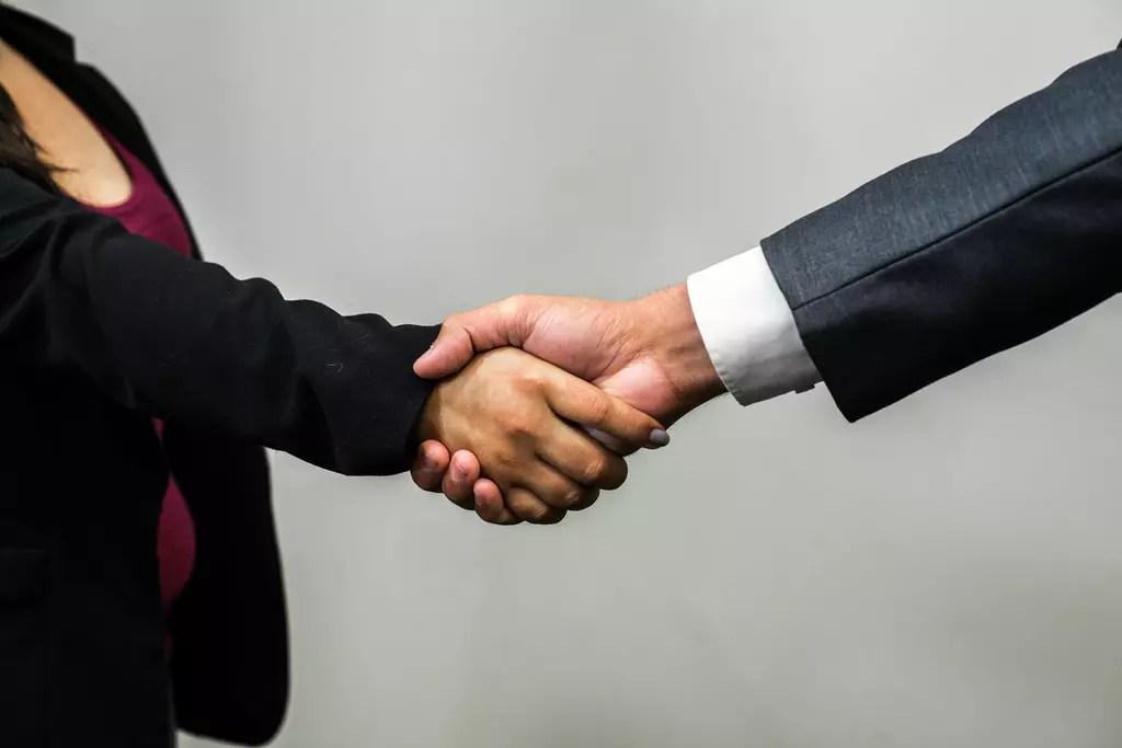 4 Considerations When Negotiating New Job Offers   Schaefer Halleen, LLC