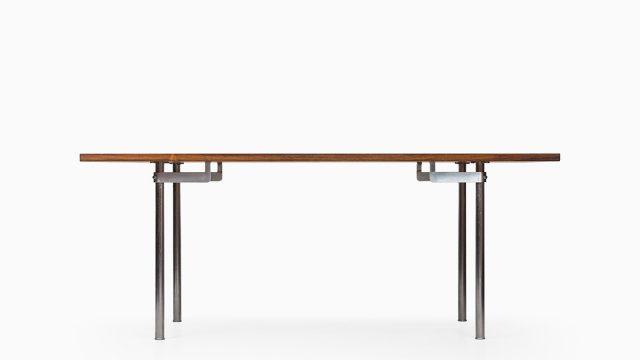 Hans Wegner dining table model AT-318 at Studio Schalling