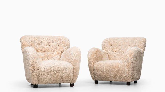 Flemming Lassen easy chairs in sheepskin at Studio Schalling