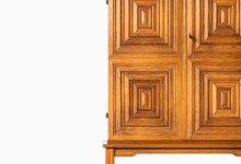 Oscar Nilsson cabinet in oak and brass at Studio Schalling
