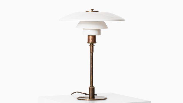 Poul Henningsen PH-3/2 table lamp