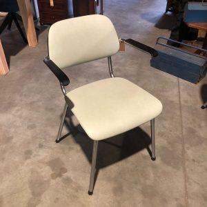 Vintage stoel (4st) | €40,-/st
