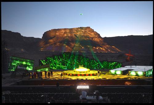 במת האופרה במצדה - מראה כללי לפני השקיעה - ניסוי תאורה (צילום: יוסי צבקר)