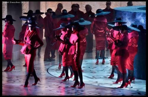 מקהלה אדומה (צילום: יוסי צבקר)