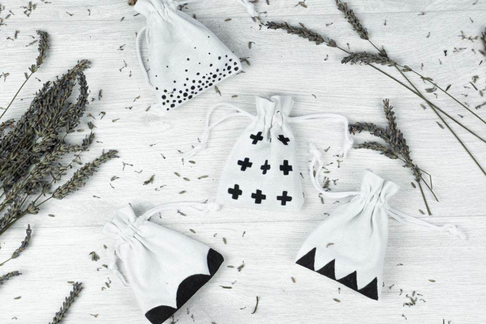 schereleimpapier DIY und Upcycling Blog aus Berlin - kreative Tutorials für Geschenke, Möbel und Deko zum Basteln - Lavendelsäckchen selber machen