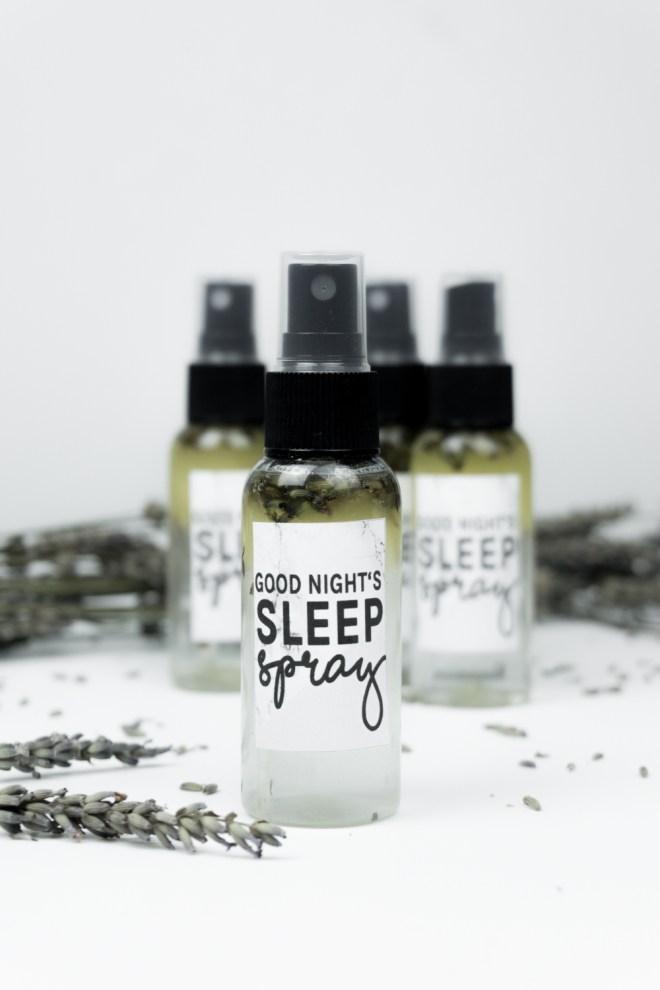 schereleimpapier DIY und Upcycling Blog aus Berlin - kreative Tutorials für Geschenke, Möbel und Deko zum Basteln - Lavendelspray selber machen