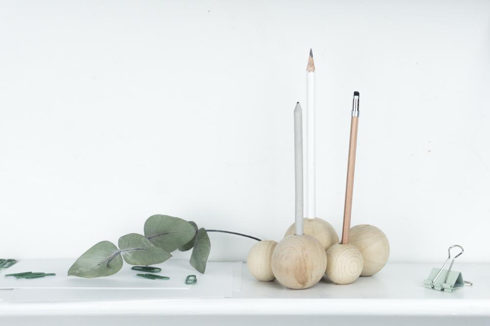 schereleimpapier DIY und Upcycling Blog aus Berlin - kreative Tutorials für Geschenke, Möbel und Deko zum Basteln - DIY Stiftehalter selber machen aus Holz